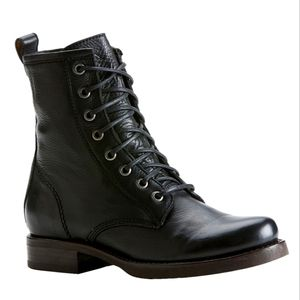 Mint Condition Womens Frye Veronica Combat Boot